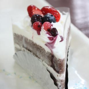 お菓子の店しまふく おすすめケーキミックスベリーショコラ